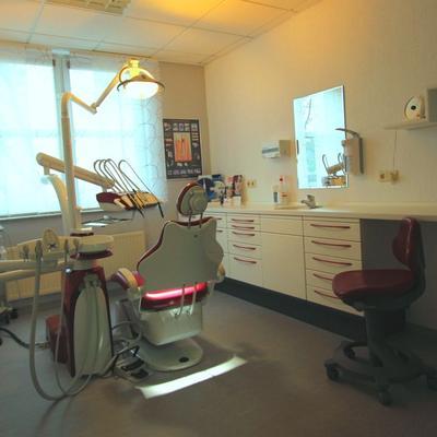 Behandlungszimmer Zahnarztpraxis Bär